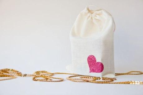 DIY-Glitter-Block-Puzzle-Valentine-Tutorial